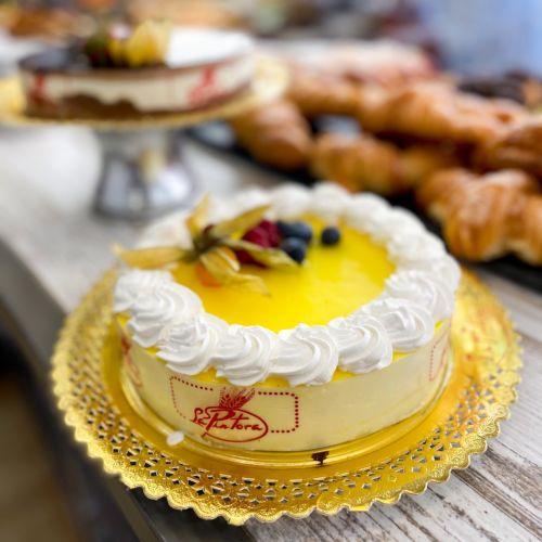 Fotografía de tartas para bodas y cumpleaños. Fotografía gastronómica.